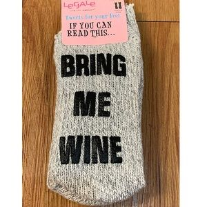 BNWT Le Gale Wine Knit Socks w/ Grip